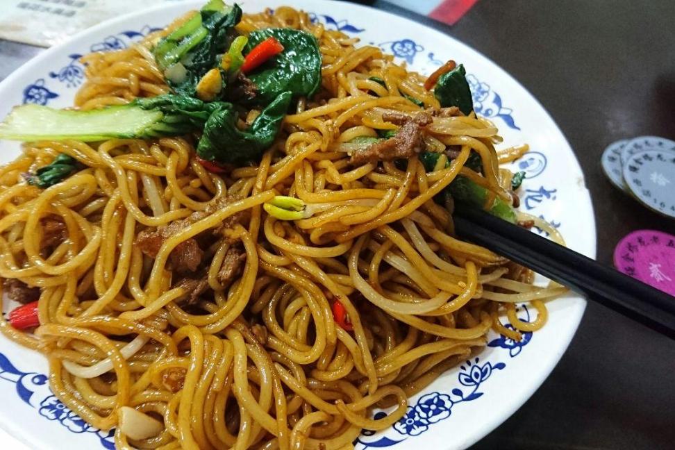 舌尖上的美食之江西南昌炒粉,各种口味都可以做,假期必吃美食