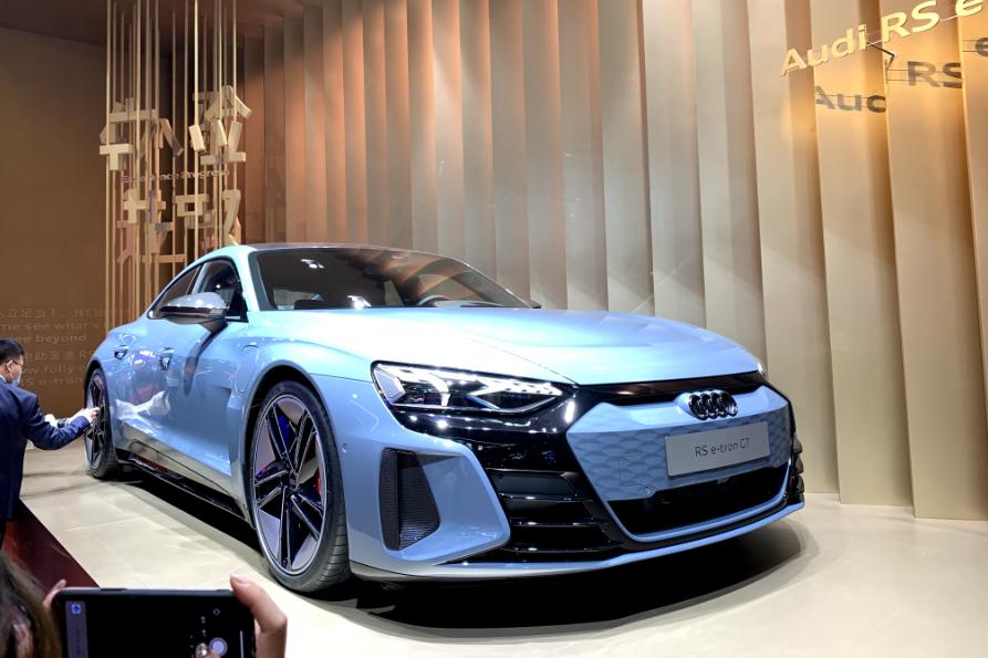 奥迪RS e-tron GT纯电跑车,亮相上海车展,表现如何