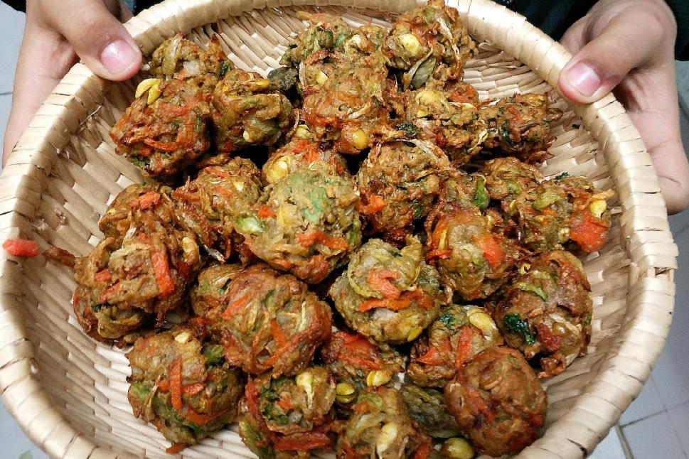 春天吃丸子,那就来山东济南,全是绿色蔬菜调馅儿,一口一个香