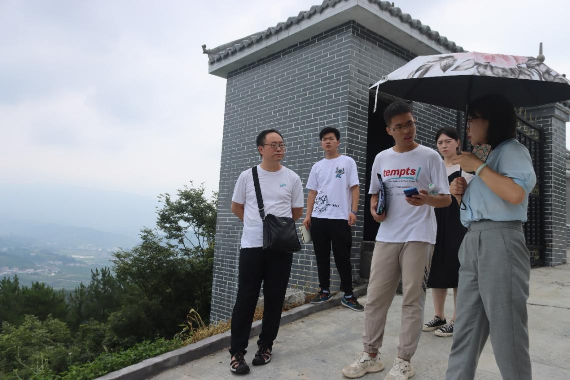 """武汉东湖学院:燃烧青春梦想,助力美丽""""黄花"""""""