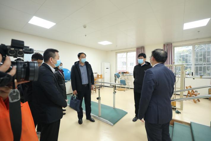 自治区南溪山医院与中国铁路南宁局集团有限公司  桂林康养中心建立「完全托管型医联体」