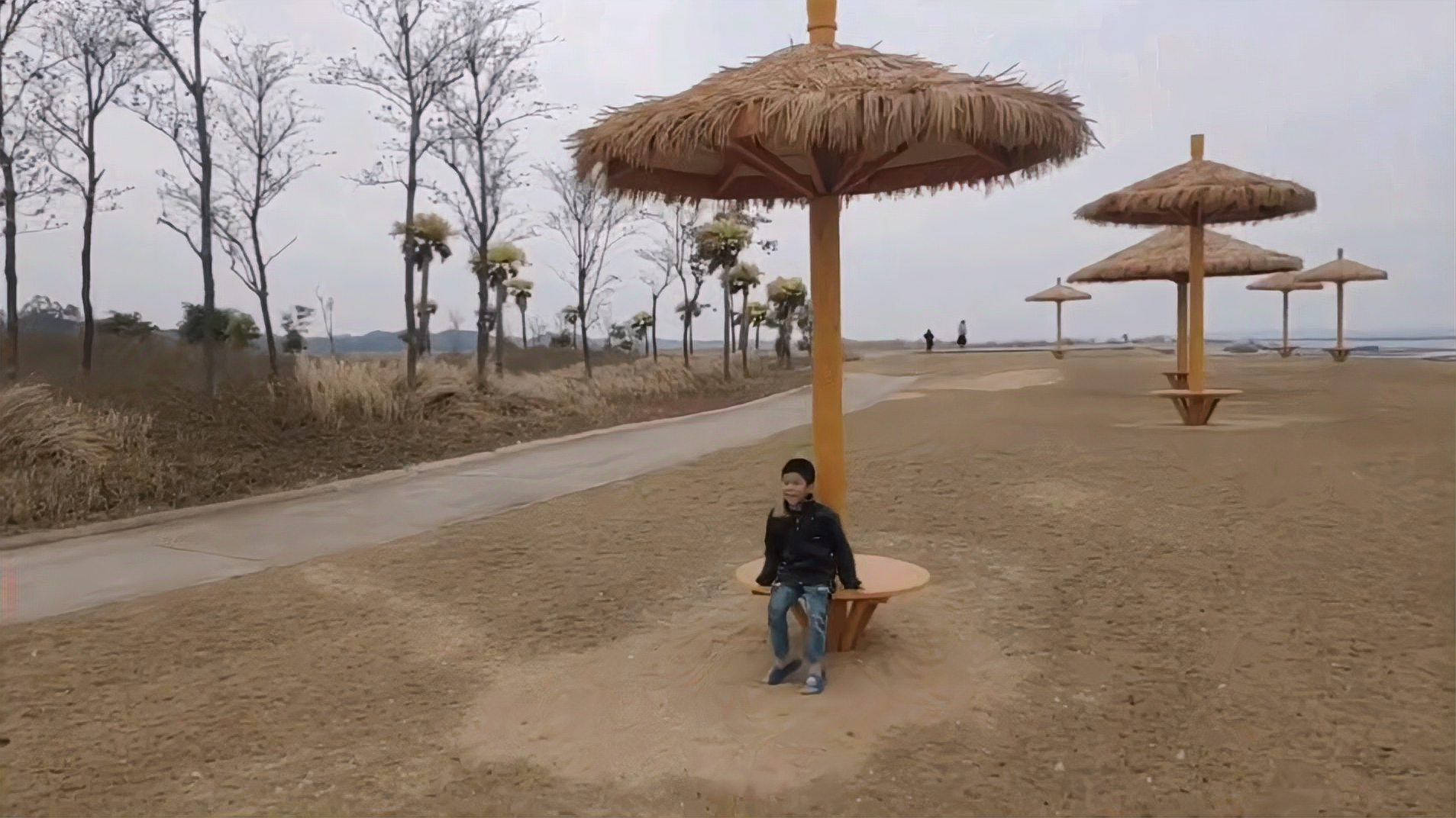 钦州滨海公园在哪里,好玩吗