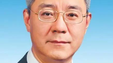 尹弘任甘肃省委书记