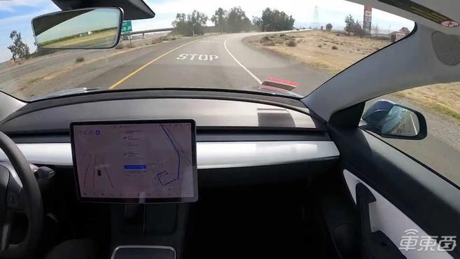特斯拉FSD大战Waymo无人车:到底谁的自动驾驶技术更强?