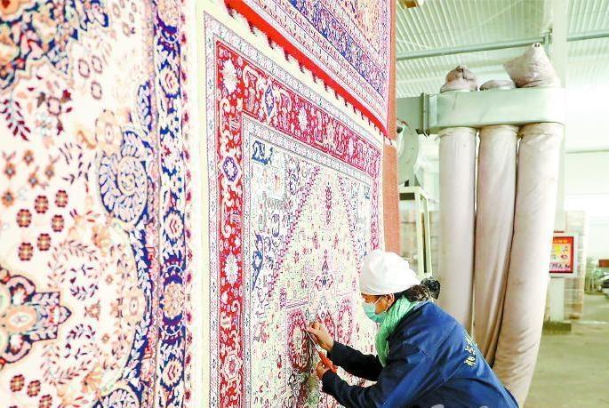 谷维:哈拉寨织毯业的创办