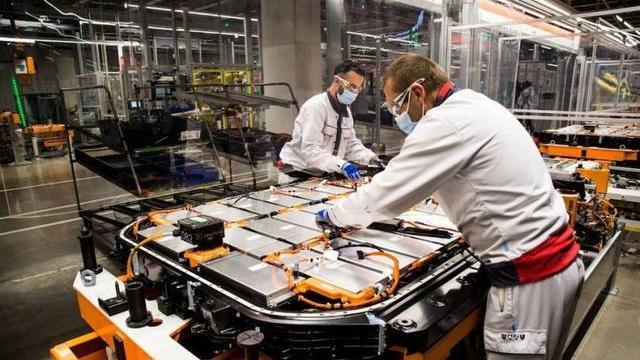 """汽车""""缺芯""""影响加剧:德国向台积电求帮助 大众问供应商要补偿"""