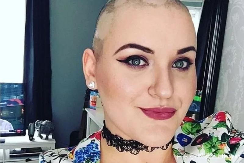 剃光头装癌症晚期!英国女子骗善款办梦幻婚礼 被判坐牢5个月