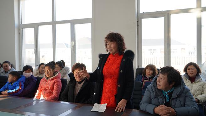 兴安盟妇联深入嘎查村召开提高妇女参政意识恳谈会