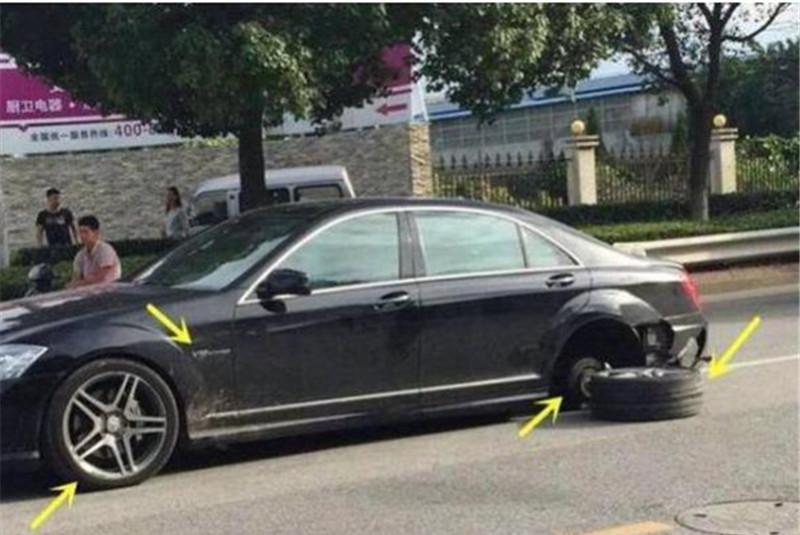 百万奔驰轮胎掉落,前一天刚做完保养,网友:这就是300万的车?