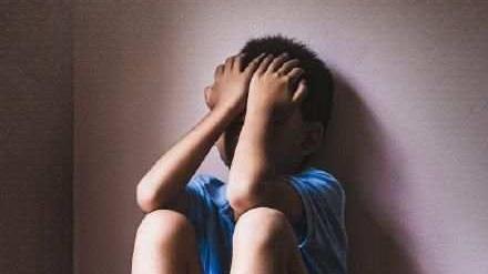 """世界自闭症日丨关爱""""星星的孩子"""" 他们不是内向而是生病了"""