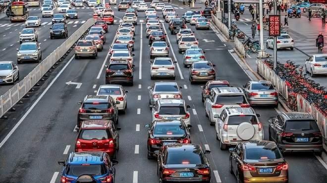 全国高速10月1日将迎拥堵高峰