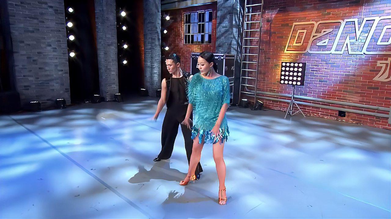 中国好舞蹈:弟弟找姐姐上好舞蹈跳双人舞,3导师希望姐姐能看到