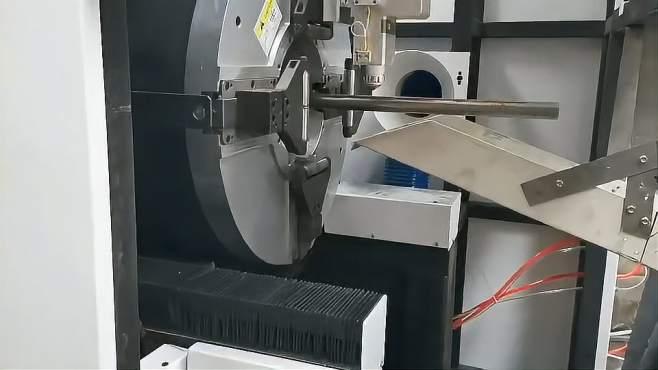 武汉三雷双卡盘激光切管机