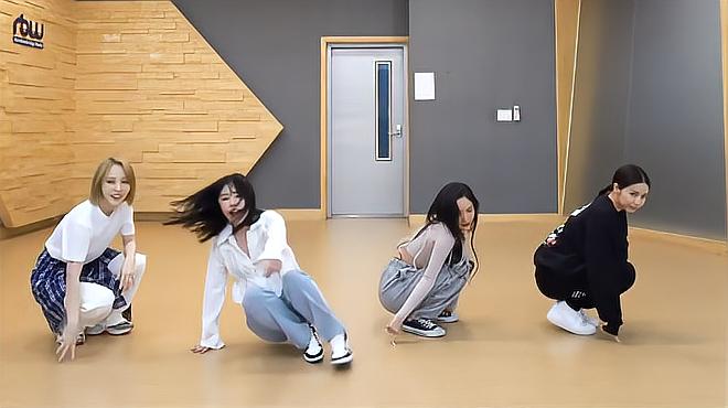 小姐姐们练习韩舞翻跳,节奏欢快活泼!