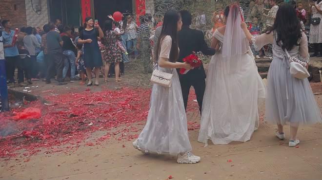 湖南农村举办婚礼,亲朋好友邻居都来喝酒,场面热闹的很!