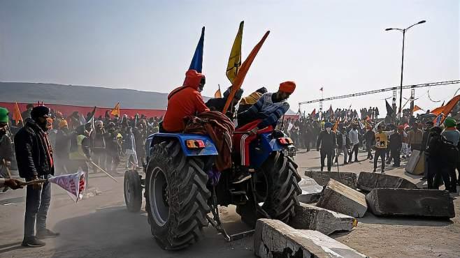 印度农民掀起大规模抗议,上万警力紧急出动,考验莫迪的时候到了