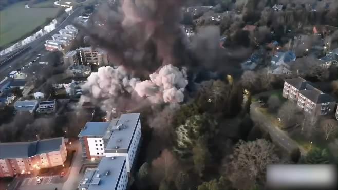英居民区引爆1吨重二战德制炸弹