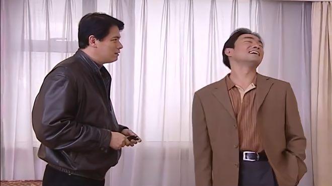 红罂粟:落魄主任潜逃犯讨价还价,只能让情人带50万现金来交易