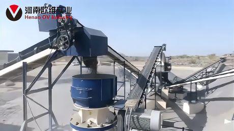 砂石生产线时产200吨的颚式和圆锥破碎机组成的成套的石料生产线