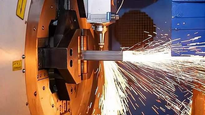 双卡盘激光切管机碳钢管切割演示