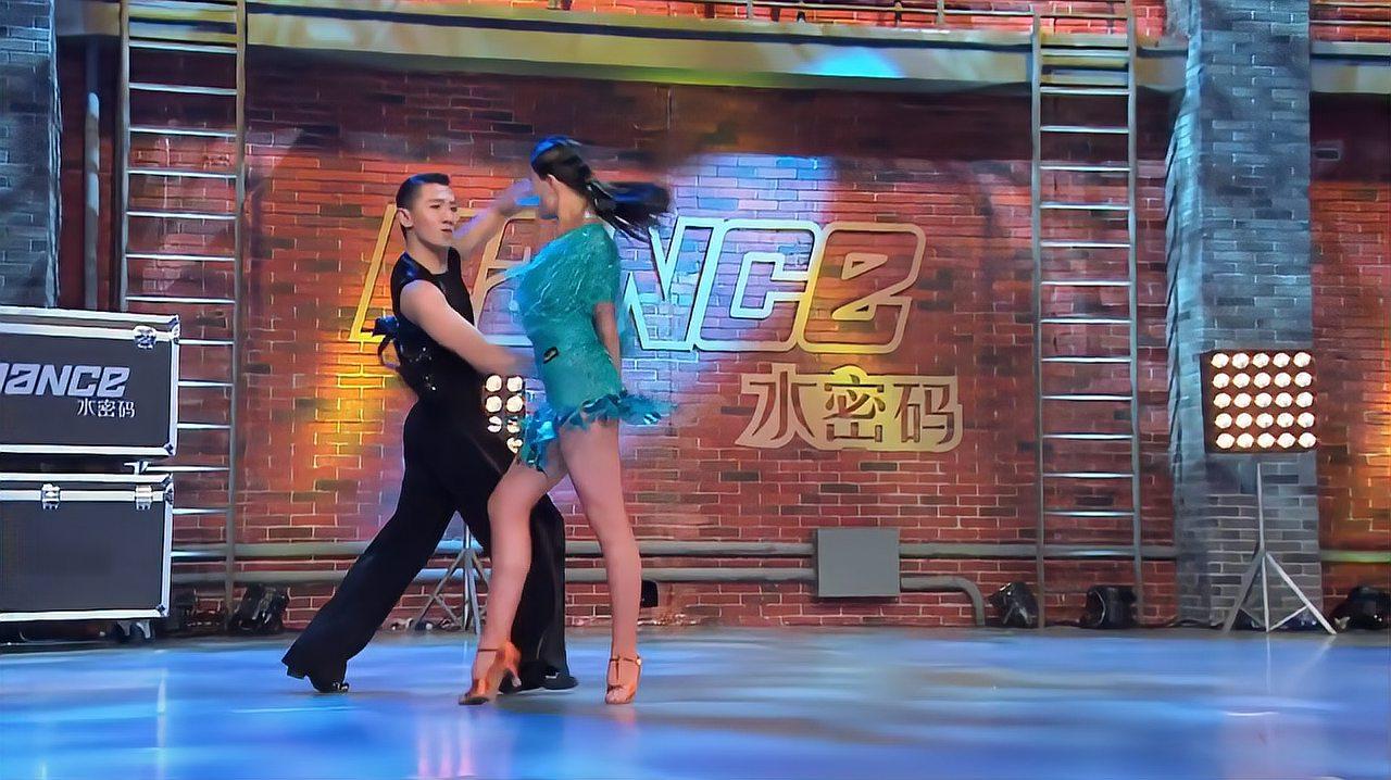 中国好舞蹈:河南小伙和北京女孩,选择加入海清战队,进入下一轮