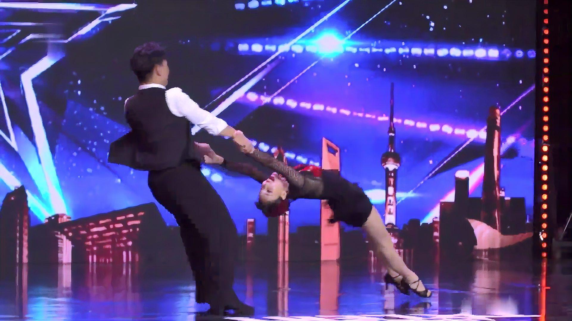 中国达人秀:拉丁舞能达到这个境界可不简单,现场一片欢呼,震撼