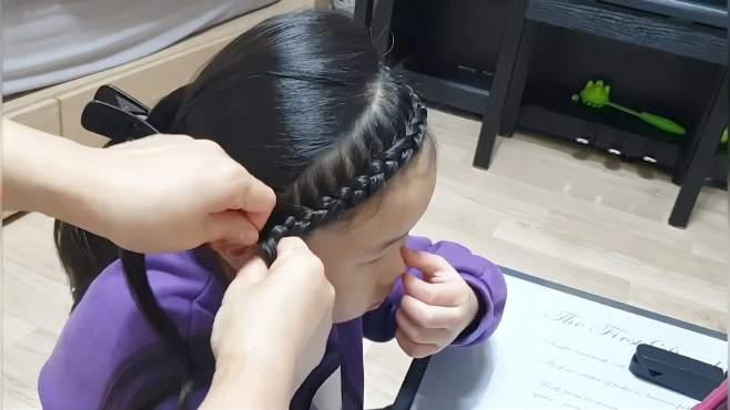 新款小女孩发型太可爱了,再不会梳头发的妈妈都应该给女儿扎一次