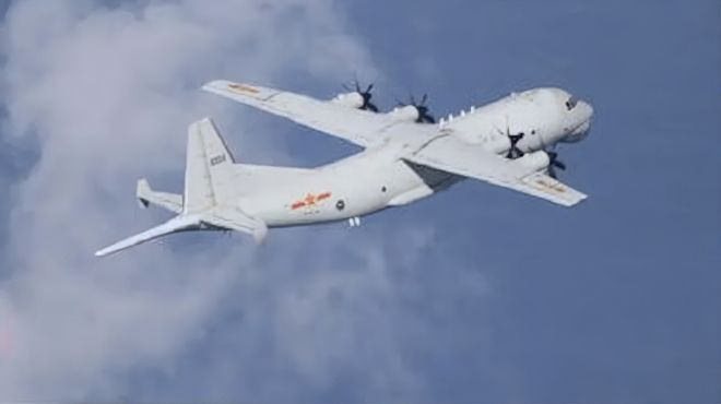 绿媒称解放军军机现身台西南空域,国防部新闻发言人曾这样说