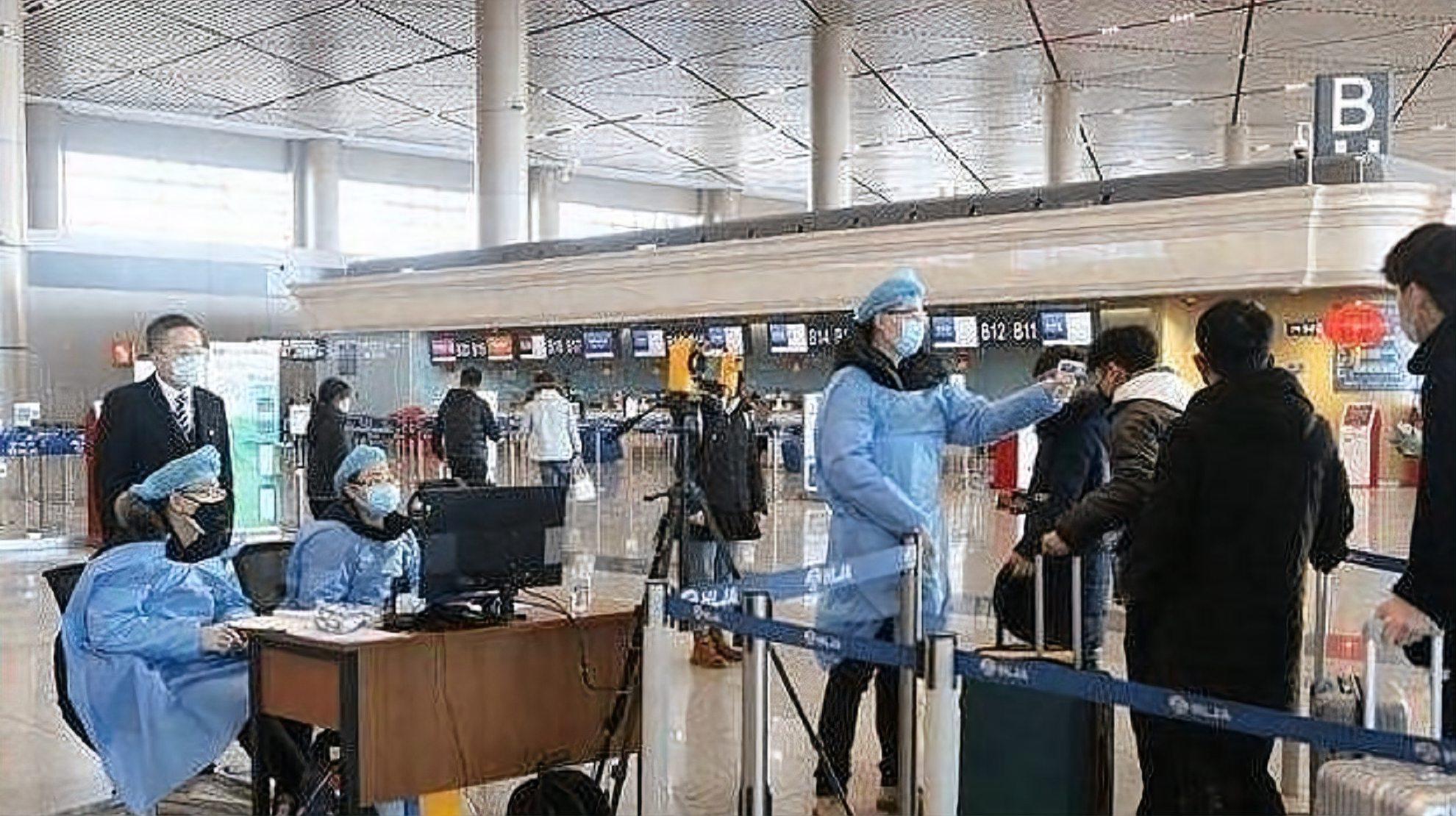 美籍华人富豪包机回国被拒,嚣张喊道:你可知道我交了多少税吗?