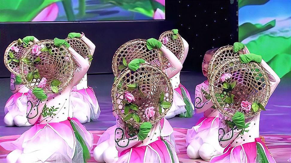 简单幼儿舞蹈《桃花山》,又是一年三月三
