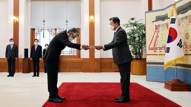文在寅面告日本大使