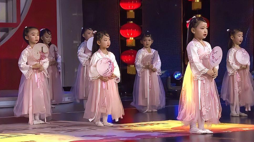 儿童舞蹈《月儿圆》视频在线+中秋月儿圆歌词