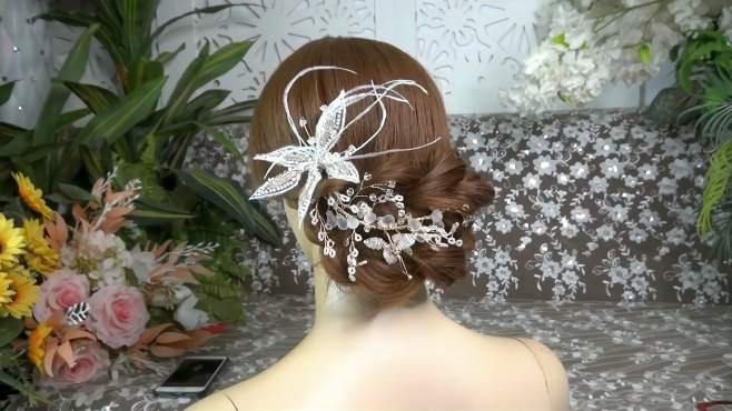 一款很优雅的新娘发型,编法简单易懂,看一遍就能学会