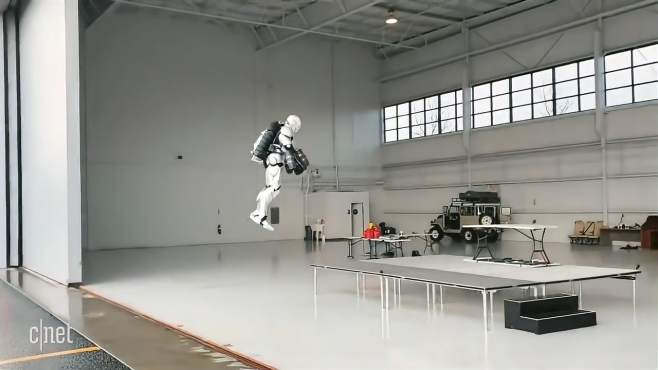 钢铁侠的飞行铠甲部分实现了,让我们来看一看