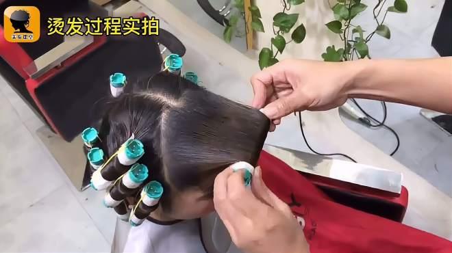 中年女性留长发,用这样的方法烫头发,气质优雅又高贵