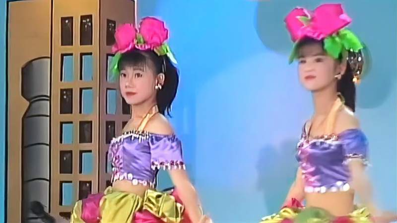 妞妞姐妹舞台秀_舞台秀:《一见钟情》妞妞姐妹组合,九十年代怀旧经典_好看视频