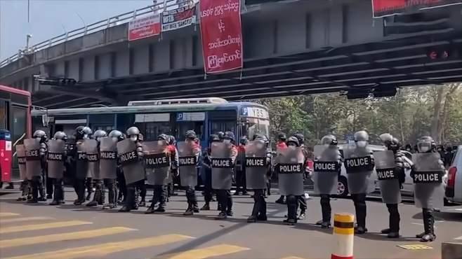 路透社:拒绝执行镇压令 至少19名缅甸警察到印度求庇护