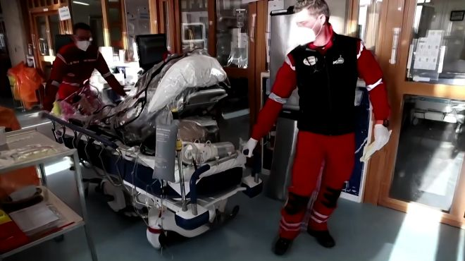 各地医疗资源趋于饱和 比利时将新冠患者送往德国救治