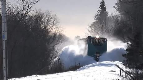 不除雪火车就没法行驶了?让我们看看战斗民族的强悍