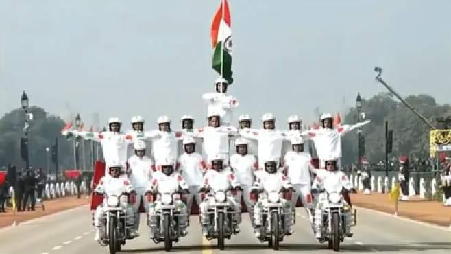 印度阅兵取消摩托车特技表演,官方:人挨着太近,有感染新冠风险
