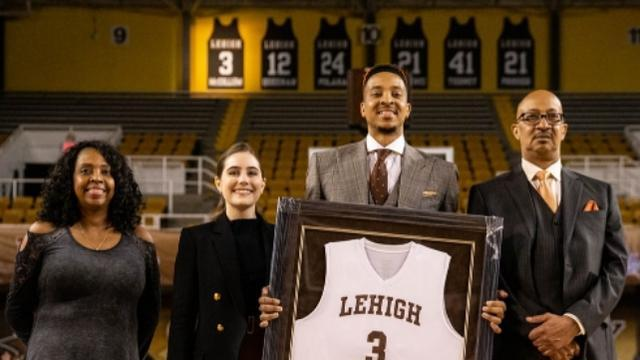 篮板青春李弘权 加盟NCAA 成麦科勒姆校友 入选加拿大全明星赛