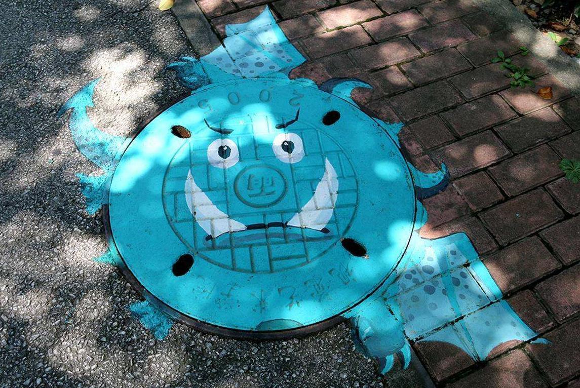 网友惊呼,日本下水道井盖也太二次元了吧!