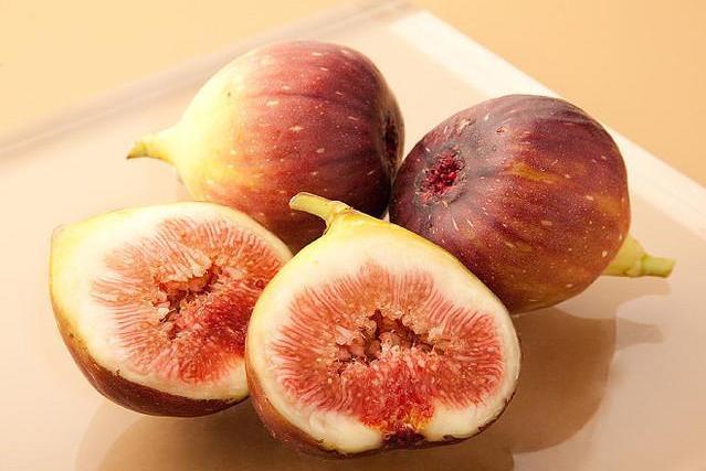 深秋季节,这几种水果可常吃,润燥还对宝宝发育有帮助