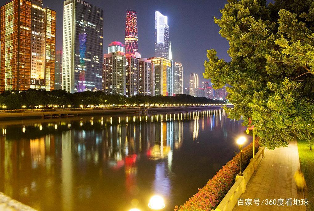 """中国第五大城市,经济直追北上广深,是著名的""""网红城市"""""""
