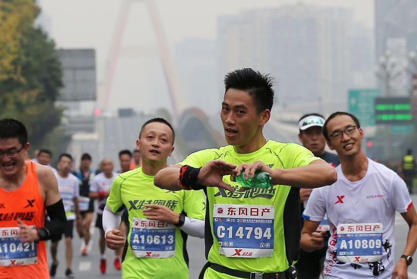 """跑步前吸烟,各种""""坏处""""紧随而至,网友:不愿再跑第二次!"""