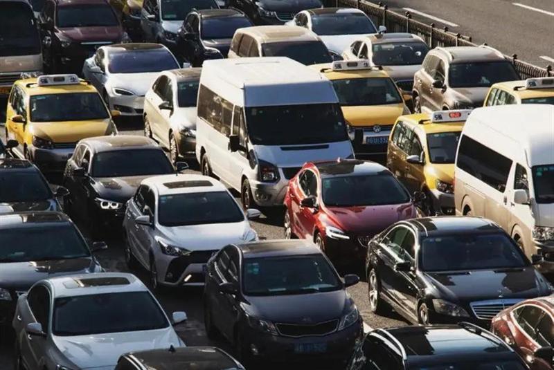 国庆高速公路免费时间出炉,注意事项提前知,出行才不会受阻!