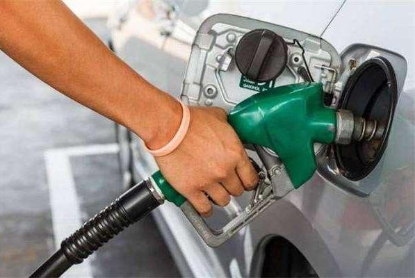 国际原油倒贴钱,国内三桶油却慌了!为啥进价那么低还是亏损?