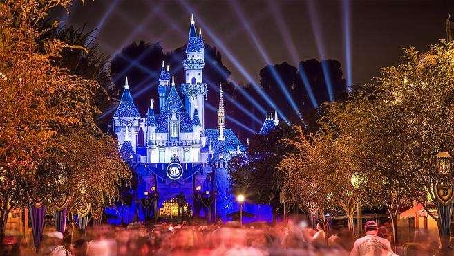 迪士尼将在美裁员2.8万人