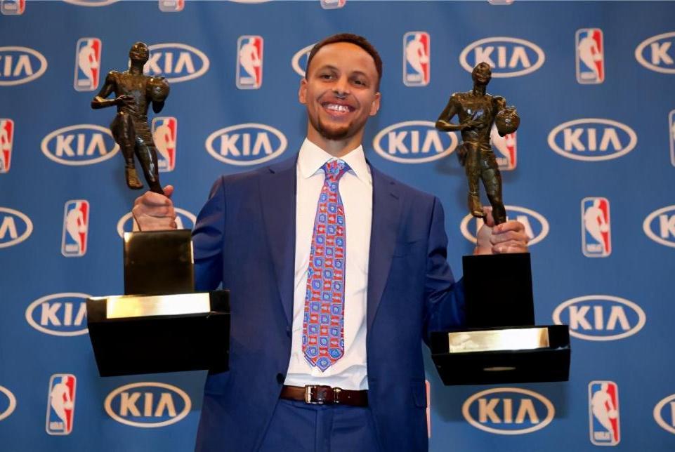 NBA现役7位常规赛MVP,谁的数据在季后赛下跌得最厉害?