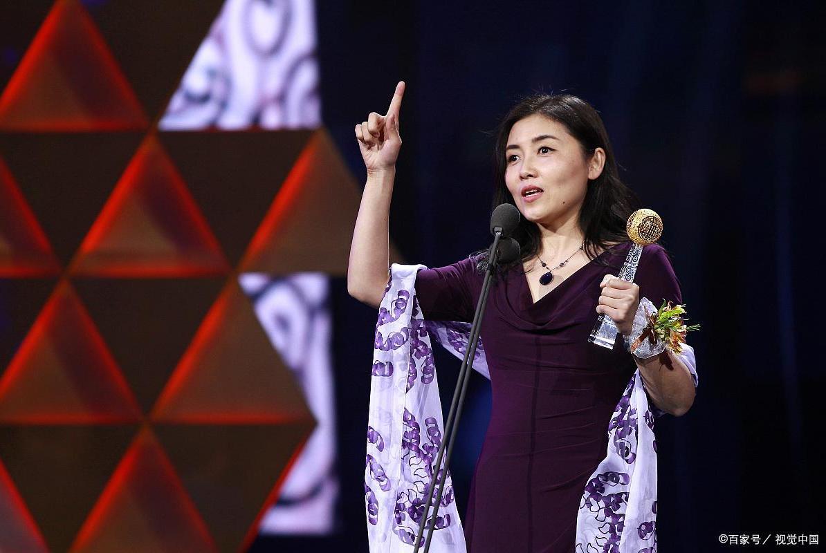 颜宁在微博表露自己在清华的年薪,网友大惊:怪不得她会辞职
